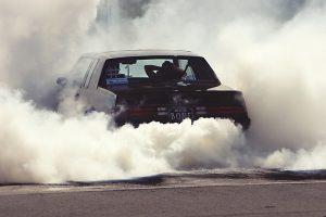 voiture qui pollue...
