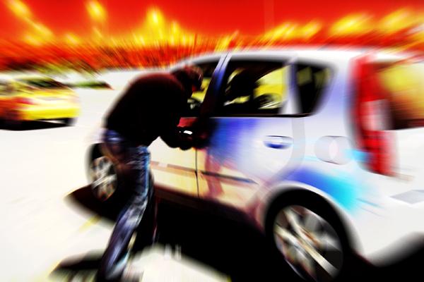 véhicule victime d'une effraction